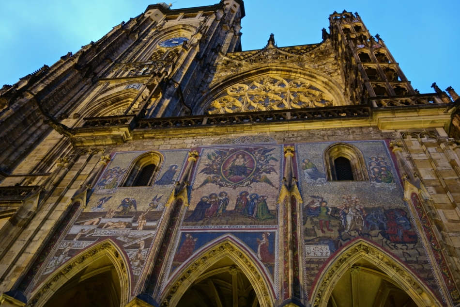 Prague Castle and St Vitus Cathedral12