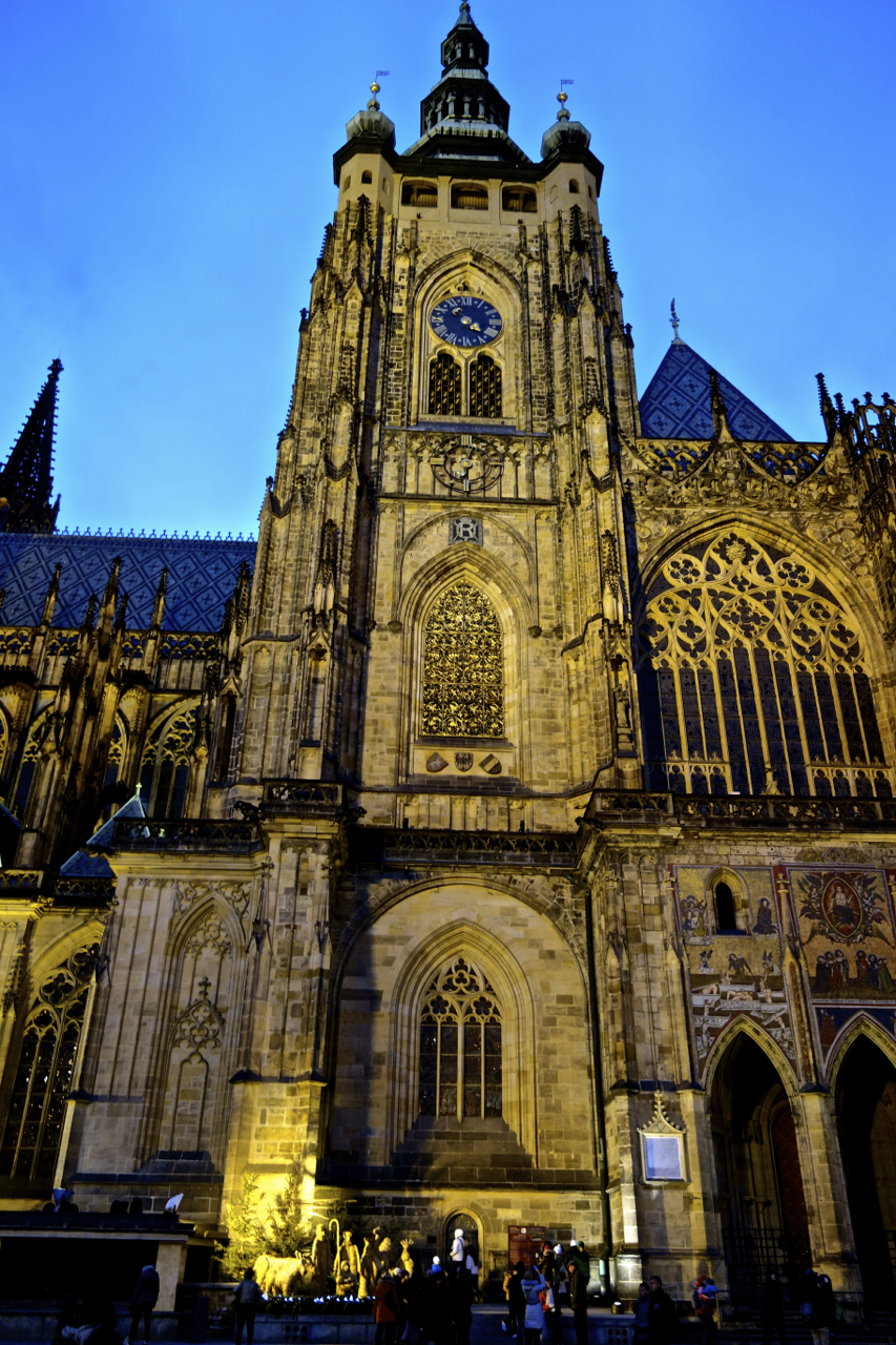 Prague Castle and St Vitus Cathedral13