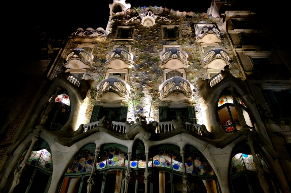 Barcelona - Gaudi Houses2
