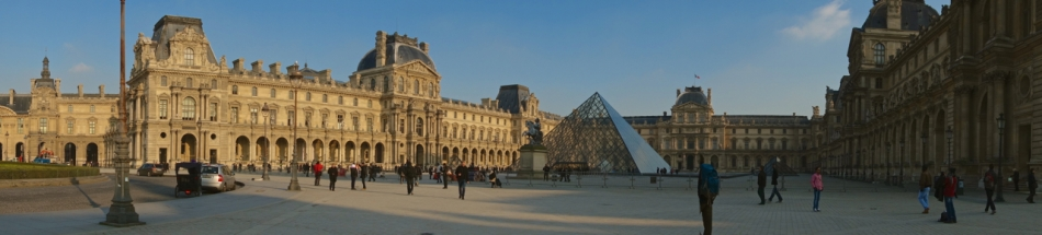 Paris - The Louvre00