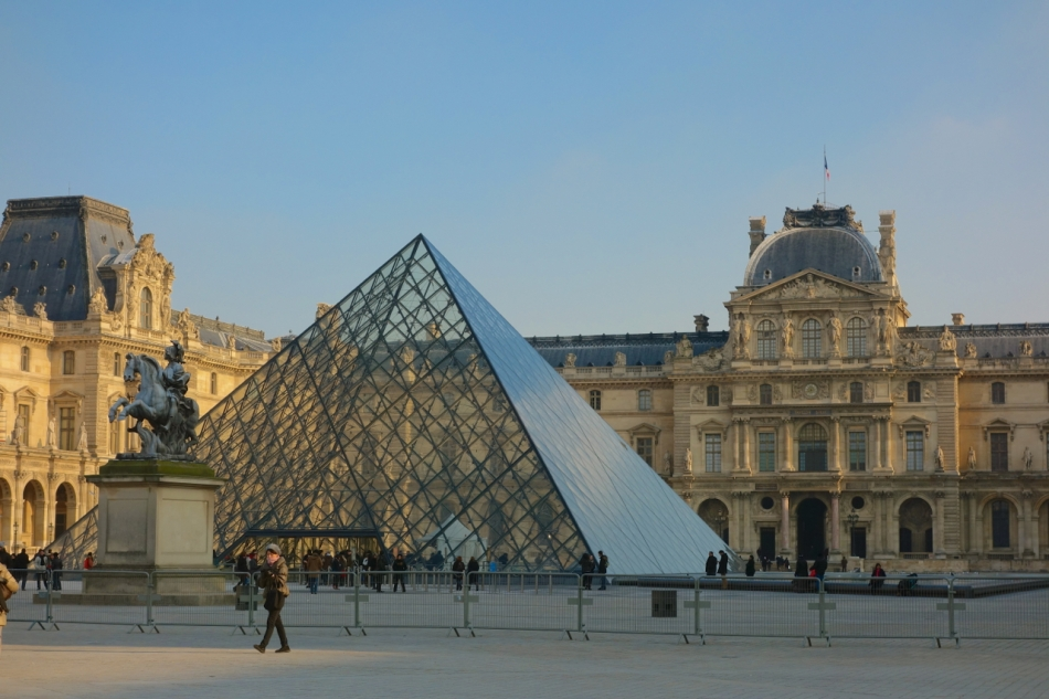 Paris - The Louvre06