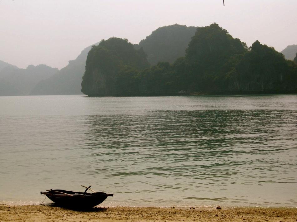 Boat - Ha Long Bay - Vietnam